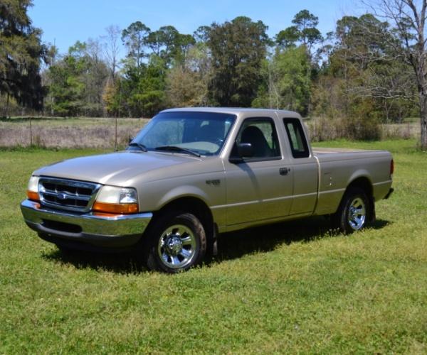2000 Ford Ranger Super Cab Interior: Gold 2000 Ford Ranger XLT (219,000 Mi)