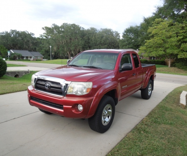 2014 Toyota Tacoma Access Cab Transmission: Red 2006 Toyota Tacoma SR5 PreRunner (119,000 Mi